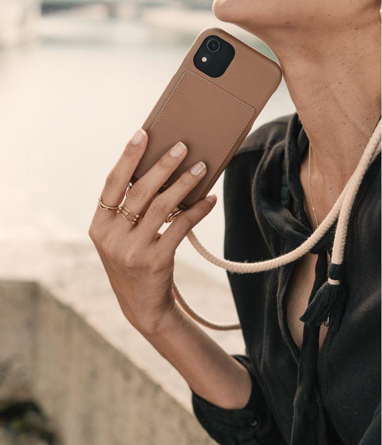 lou coque iphone xi